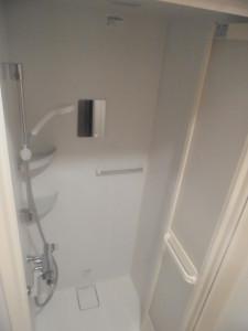 男女別完全個室のシャワーでトレーニング後の汗を流しましょう☆