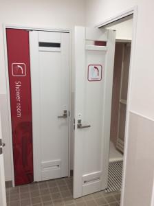 女性更衣室・シャワー