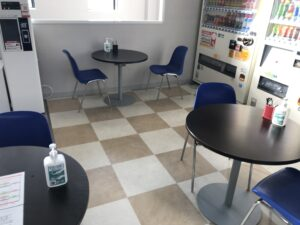 感染症対策⑯ 休憩スペース・棚へのアルコール設置