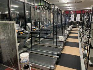 感染症対策⑧ 有酸素マシン間のパーテーションの設置