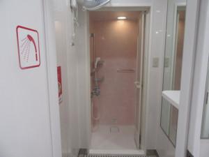 女子シャワールーム