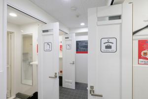 シャワールーム・更衣室