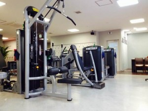 気になるお腹や太ももを引き締める筋力トレーニングマシン