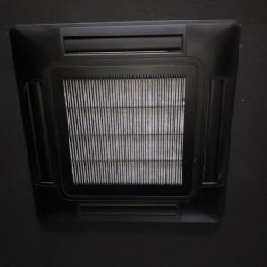 【エアコンには高性能フィルターを設置】