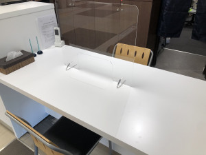 アクリル板の設置