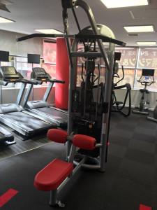 筋肉トレーニングマシン