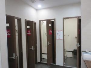 更衣室、シャワールーム