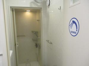 シャワールーム(2F)